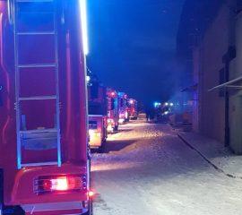 Nowy Sacz, ul. Jana Pawła II – 16.12.2018 – Pożar Hali Produkcyjnej